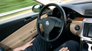 20110626volkswagennohands.jpg